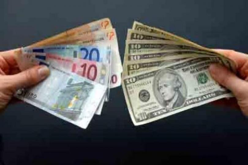 اليورو يرتفع على إثر تحسن البيانات الاقتصادية