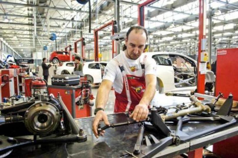 مؤشر PMI التصنيعي الإيطالي يتراجع خلال فبراير