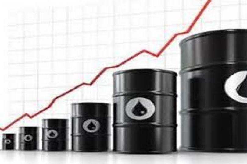 ارتفاع النفط الخام عقب ضعف الدولار