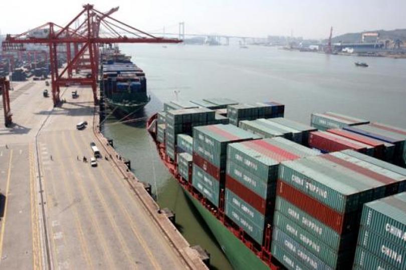البيانات التجارية الصينية تشير إلى تراجع الاقتصاد
